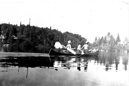 circa-1930s-or-40s-canoers-on-the-lake