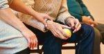 proche-aidantes-mains